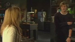 Natasha Williams, Andrew Robinson in Neighbours Episode 6459