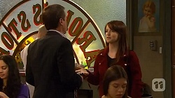Paul Robinson, Summer Hoyland in Neighbours Episode 6461