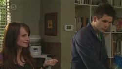 Summer Hoyland, Chris Pappas in Neighbours Episode 6464