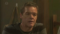 Paul Robinson in Neighbours Episode 6464