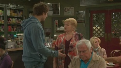Kyle Canning, Sheila Canning, Lou Carpenter in Neighbours Episode 6466
