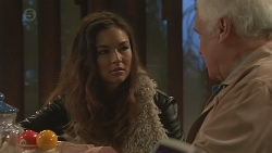 Jade Mitchell, Lou Carpenter in Neighbours Episode 6466