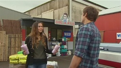 Jade Mitchell, Kyle Canning in Neighbours Episode 6467