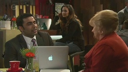 Ajay Kapoor, Jade Mitchell, Sheila Canning in Neighbours Episode 6467