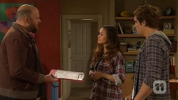 Trev Barnett, Jade Mitchell, Kyle Canning in Neighbours Episode 6468