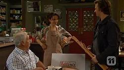 Lou Carpenter, Vanessa Villante, Lucas Fitzgerald in Neighbours Episode 6470