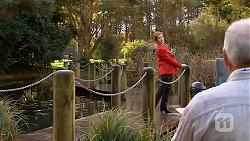 Susan Kennedy, Lou Carpenter in Neighbours Episode 6470