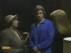 Edith Chubb, Mike Young, Bronwyn Davies in Neighbours Episode 0802