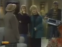 Edith Chubb, Bronwyn Davies, Sharon Davies, Nick Page in Neighbours Episode 0802