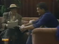 Edith Chubb, Des Clarke in Neighbours Episode 0802