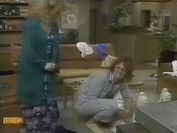 Sharon Davies, Henry Ramsay in Neighbours Episode 0803