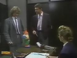 Henry Ramsay, Des Clarke, Penelope Porter in Neighbours Episode 0804