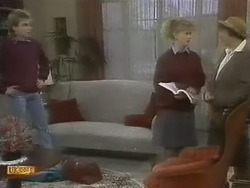 Nick Page, Sharon Davies, Edith Chubb in Neighbours Episode 0804