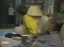 Katie Landers, Beverly Marshall, Jim Robinson in Neighbours Episode 0805