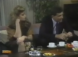 Penelope Porter, Des Clarke in Neighbours Episode 0805