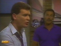 Des Clarke, Malcolm Clarke in Neighbours Episode 0849