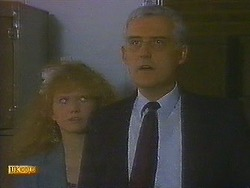 Sharon Davies, Kenneth Muir in Neighbours Episode 0849