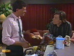 Des Clarke, Mike Young in Neighbours Episode 0851