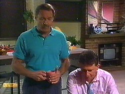 Malcolm Clarke, Des Clarke in Neighbours Episode 0851