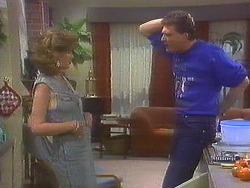 Leanne, Des Clarke in Neighbours Episode 0852