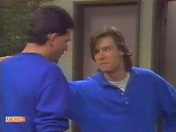 Des Clarke, Mike Young in Neighbours Episode 0852