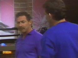 Malcolm Clarke, Des Clarke in Neighbours Episode 0852