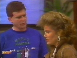 Des Clarke, Leanne in Neighbours Episode 0853