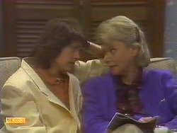 Beverly Marshall, Helen Daniels in Neighbours Episode 0854