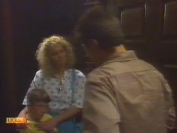 Toby Mangel, Noelene Mangel, Joe Mangel in Neighbours Episode 0854