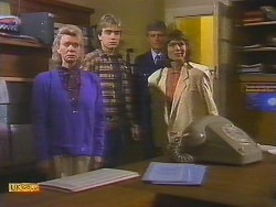 Helen Daniels, Nick Page, Police Officer, Beverly Marshall in Neighbours Episode 0854