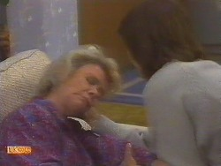 Helen Daniels, Beverly Marshall in Neighbours Episode 0854