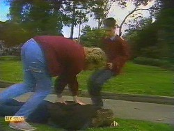Nick Page, Skinner, Todd Landers in Neighbours Episode 0858