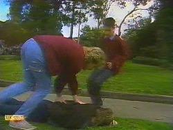 Nick Page, Skinner, Todd Landers in Neighbours Episode 0858