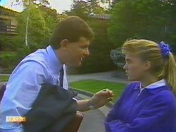 Des Clarke, Bronwyn Davies in Neighbours Episode 0858
