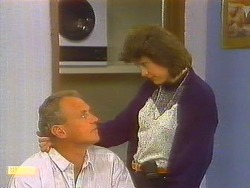Jim Robinson, Beverly Robinson in Neighbours Episode 0858