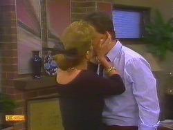 Leanne, Des Clarke in Neighbours Episode 0858