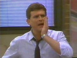 Des Clarke in Neighbours Episode 0858