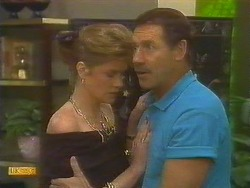 Leanne, Malcolm Clarke in Neighbours Episode 0859