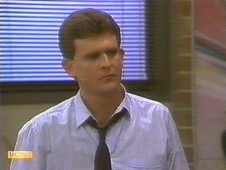Des Clarke in Neighbours Episode 0859