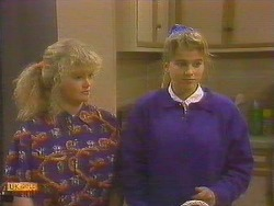 Sharon Davies, Bronwyn Davies in Neighbours Episode 0859