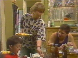 Toby Mangel, Jane Harris, Joe Mangel in Neighbours Episode 0859