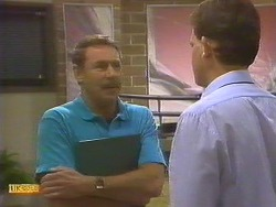 Malcolm Clarke, Des Clarke in Neighbours Episode 0859