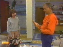 Beverly Robinson, Jim Robinson in Neighbours Episode 0860