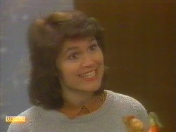 Beverly Robinson in Neighbours Episode 0860