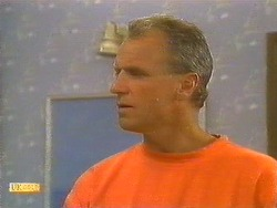 Jim Robinson in Neighbours Episode 0860