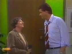 Edith Chubb, Des Clarke in Neighbours Episode 0861