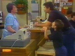 Edith Chubb, Joe Mangel, Toby Mangel in Neighbours Episode 0877