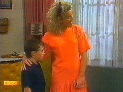 Toby Mangel, Noelene Mangel  in Neighbours Episode 0877