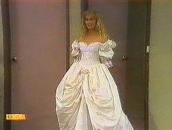 Jane Harris in Neighbours Episode 0877