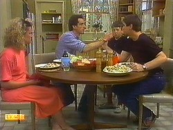 Noelene Mangel, Ted Vickers, Toby Mangel, Joe Mangel  in Neighbours Episode 0877